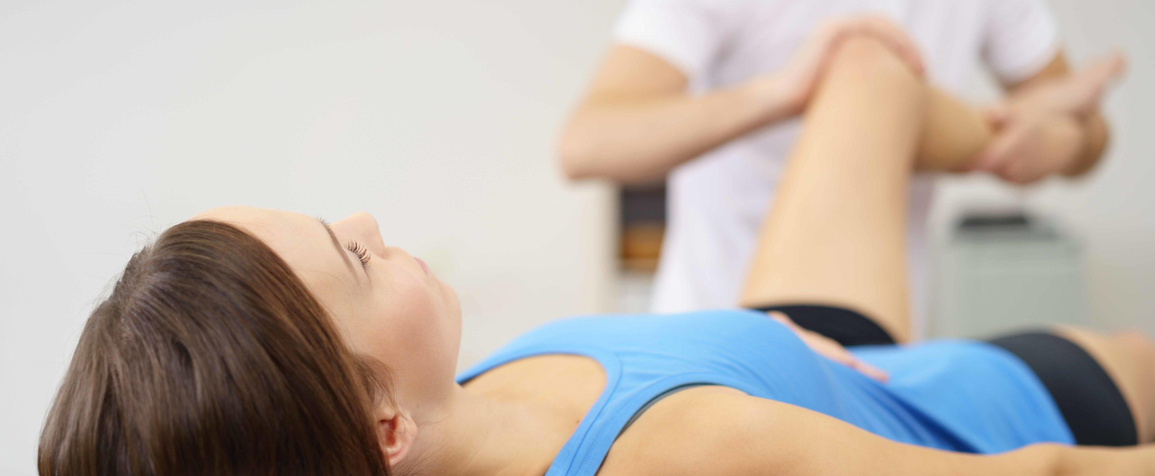 Rehabilitacja osoby dorosłej przez wyspecjalizowanego terapeutę.